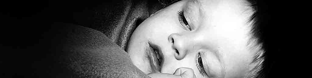 Child in bed afraid of dark